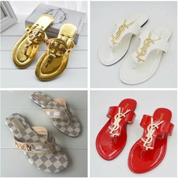 $enCountryForm.capitalKeyWord Australia - women flip-flops sandals Women Designer Sandals Luxury pu Leather flip flops Metal chains Summer Beach Shoes fashion slippers size 36-42