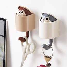 squirrel clothing NZ - Cartoon Animal Creative Cute Squirrel Coat Rack Hanger Squirrel Clothes Shoes and Hat Hook Paste Wall Organizer Storage Rack