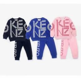 2019 Nuevo diseñador de lujo clásico bebé camiseta chaqueta pantalones de dos piezas 2-9 años olde Suit Kids moda infantil 2pcs algodón conjuntos de ropa en venta