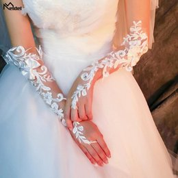 $enCountryForm.capitalKeyWord Australia - 2019 Luxury White Lace Bridal Fingerless Gloves Woman Long Wedding Gloves Crystal Wedding Accessories for