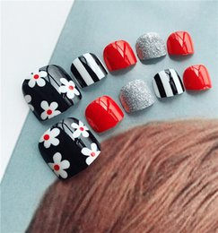 Wholesale J black background floret toenail broken flower web celebrity nail nail piece false nail piece foot patch