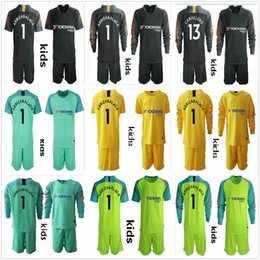 cfc8218cae4 2018 2019 Kid Youth Long Sleeve 1 Kepa Arrizabalaga Goalkeeper Jersey Youth  The Blues Soccer Sets 13 Caballero Kid Courtois Football Uniform