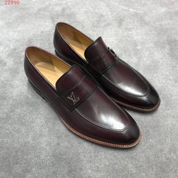 American Leather Shoes Australia - 2019 new European and american style Classic patent leather High-end custom Wedding dress shoes Classic fashion shoes