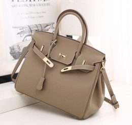 Discount handbags jet set women bags Jet Set Hobo ladies bags tassel PU leather handbags saddle chain bag fashion purse shoulder tote Bag