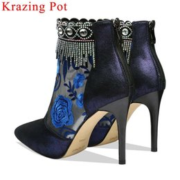 $enCountryForm.capitalKeyWord NZ - Kid suede stiletto 9.5cm heels crystals decoration metal zipper pointed ote flower Spring boots embroidery sexy ankle boots L59