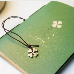 love notebooks Australia - HOT Free shipping Wholesales Office supplies Stationery in love with four-leaf clover rope notebook