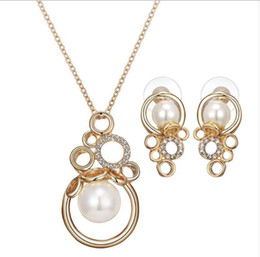 $enCountryForm.capitalKeyWord NZ - Luxury Pearl necklace earrings jewelry sets Fashion round shape two piece jewelry sets 4 colors sales 1504
