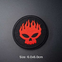 $enCountryForm.capitalKeyWord Australia - Kiss Lipstick DIY Cloth Badges Patch Embroidered Applique Sewing Clothes Stickers Apparel Accessories Badge Patches
