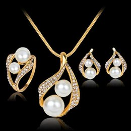 $enCountryForm.capitalKeyWord Australia - New Middle East Pearls Crystals Gold Wedding Bride Jewelry Accessaries Set Four Pieces Crystal Leaves Design With Faux Pearls