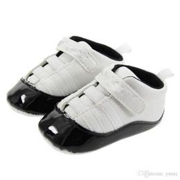 Vente en gros Printemps et Automne Bébé Chaussures en Cuir PU Garçons Nouveau-nés Première Walker Chaussures Infant Prewalker Sneakers Chaussures