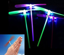 $enCountryForm.capitalKeyWord UK - HOT Glowing Bamboo Dragonfly Toys Led Flying Dragonflies Flash Light Up Helicopter Boomerang Frisbee Luminous Plastic Toy Hot Sale