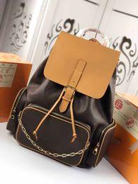 $enCountryForm.capitalKeyWord NZ - New Hot Brand men chain backpacks real leather trendy handbag backpack for women and men bags 45x33x22cm