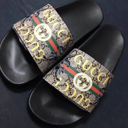 Micro Gears Australia - 2019 Designer Rubber slide sandal Floral brocade men slipper Gear bottoms Flip Flops women striped Beach causal slipper 35-45