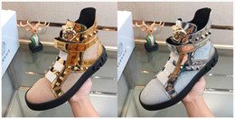Nouveau luxe sauvage en cuir chaussures plates haut-de-passerelle mode casual chaussures faites à la main confortables chaussures de personnalité sauvage en Solde