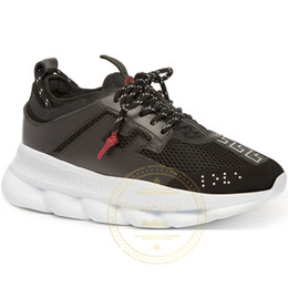 $enCountryForm.capitalKeyWord NZ - New Luxury Chain Reaction Casual Ladies Designer Shoes Mens Womens 2019 Fashion District Medusa Link-Embossed Sole Trainer Sport 5.5-11