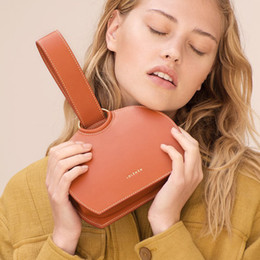 korea hand bag 2019 - Fashion bags for women Korea Tide brand 2019 new minimalist semi-circle hand bag wild chain diagonal small round bag che