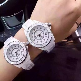 Auto Calendar Quartz Clock Australia - 2018 top luxury watch men calendar black bay designer diamond watches Quartz high quality women dress rose gold clock reloj mujer