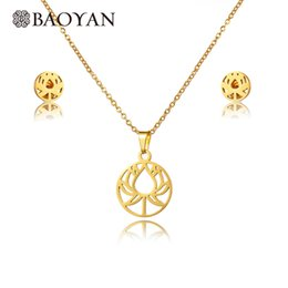 Shop Gold Lotus Flower Necklace Uk Gold Lotus Flower Necklace Free