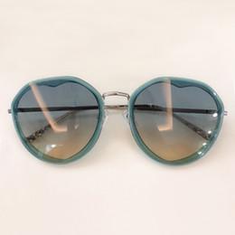 Discount heart metal frame - 2019 New Heart Sunglasses Women Brand Designer Sweet Cute Style Sunglass Metal Legs Shades Outdoor UV400