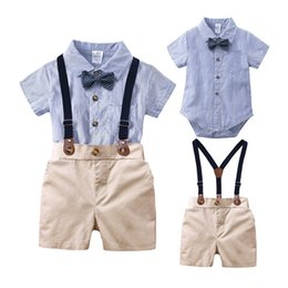 $enCountryForm.capitalKeyWord Australia - Baby Kids Boys Gentleman Suits Polo Collar Bow Tie Rompers Tatting Cotton Fabric Tees with Overalls Pants 2 pieces Children Clothing Set