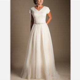 $enCountryForm.capitalKeyWord Australia - Simple White Lace A Line Modest Wedding Dresses 2019 Vintage Short Sleeves Princess Bridal Gowns Custom Beads Sashes V Neck Wedding Gowns
