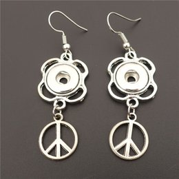 Discount noosa snap earrings - Alloy Peace Sign Earring Metal 12mm Snap Buttons Socket Earrings Female Girls Noosa Chunks Jewelry