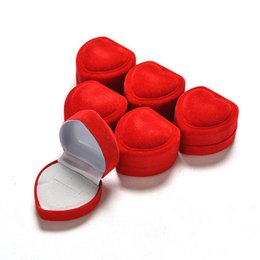 $enCountryForm.capitalKeyWord NZ - Hot 1Pcs Red Heart Shaped Ring Box Mini Cute Velvet Foldable Red Carrying Cases For Rings Lid Open Display Box Jewelry Packaging