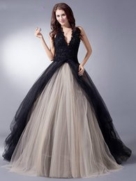 $enCountryForm.capitalKeyWord Australia - Black Nude Colorful Tulle Gothic Wedding Dresses With Color Non White Halter Bridal Gowns Non Traditional Robe De Mariee Real Photo