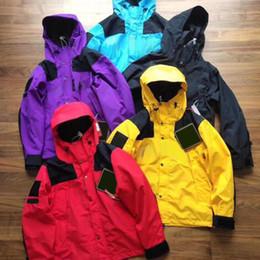 $enCountryForm.capitalKeyWord Australia - 19SS BOX LOGO X TheNF Arc Logo Mountain Parka Men Women Jacket Casual Street Skateboard Hip Hop Coat Sport Outwear Jacket HFLSJK319 26034
