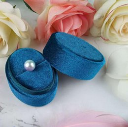 velvet jewellery boxes wholesale Australia - Oval Shaped Velvet Proposal Ring Box Cute Jewelry Gift Package Cases Vintage Style Wholesale Boutique Jewellery Packing Boxes