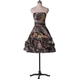 $enCountryForm.capitalKeyWord UK - Strapless Ruched Short Camo Wedding Dresses Gowns Corset Summer Country Forest Bridal Dresses Gown Custom Made