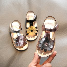 baby girl cute sandals Australia - 2020 Summer New Soft Bottom Fashion Children's Non-Slip Beach Shoes Little Girl Open Toe Baby Shoes for Girl's Cute Sandals