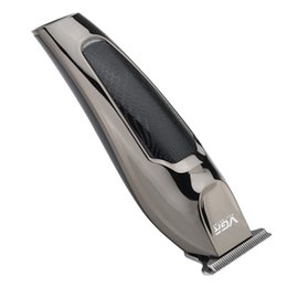 VGR-030 display impermeabile professionale del regolatore dei capelli dei capelli del tagliatore governare gli uomini bassi di rumore tagliatore di ceramica di titanio lama adulti Razo EEA1533 in Offerta