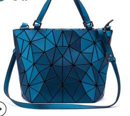 $enCountryForm.capitalKeyWord Australia - 2019 new small fresh fashion lock chain single-shoulder diagonal body bag PU female bag manufacturers direct sales