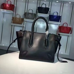 $enCountryForm.capitalKeyWord Australia - Top quality Luxury Leather Totes Factory Direct Sale Women Buisness casual handbags plain cow leather NO 2952 size 27*23*19cm free shipping