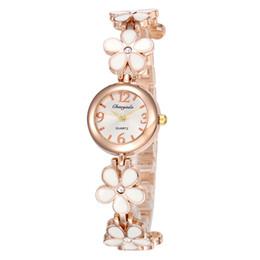 $enCountryForm.capitalKeyWord UK - Ladies Fashion Watch Full Metal Petal Design Rose Gold Bracelet Watch Young Ladies Jewelry Clock Relogios Femininos De Pulso