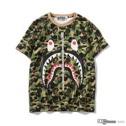 $enCountryForm.capitalKeyWord Australia - 19SS New Lover Green Pink Blue Camo Zipper Shark Print T-Shirts Men Women Personality Short Sleeve T-shirts Sizes M-2XL
