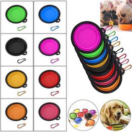 Venta al por mayor de 17 colores Silicona portátil Perro plegable Gato Cuenco Cachorro Alimentación de mascotas Recipiente de viaje Plegable Alimentos para mascotas Agua Bowl Comedero con gancho b1139-1