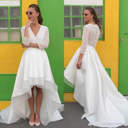 $enCountryForm.capitalKeyWord Australia - New Beach Hi Lo Puffy Tulle Wedding Dresses White V Neck Sheer 3 4 Sleeves Sweep Train For Bridal Gowns With Covered Buttons Vestidos