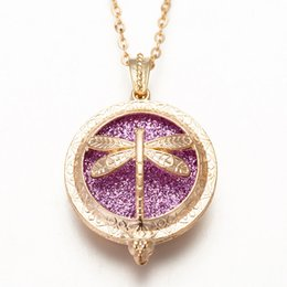 $enCountryForm.capitalKeyWord Australia - New Aroma Diffuser Necklace Bright Gold Color Dragonfly Pendant Perfume Essential Oil Small Box To Send Sequins As A Gift EM-2