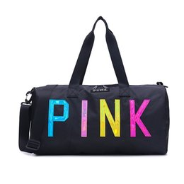 Großhandel Liebe rosa Aufbewahrungstasche große große rosa Männer Frauen Reisetasche Hangbag wasserdicht Seesäcke Gepäck Taschen