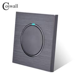 Coswall Luxurious 1 Gang 2 Way Aleatório Clique Push Button Wall Light switch com painel de alumínio preto Indicador LED em Promoção