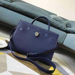$enCountryForm.capitalKeyWord Australia - The new European classic luxury style shoulder bag handbag leather soft leather solid metal shield decoration