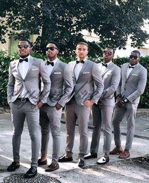 $enCountryForm.capitalKeyWord Australia - Gray Groomsmen Suits Two Button Slim Fit Mens Suit For Wedding Two Piece Wedding Tuxedos (Jacket+Pants+Bow)