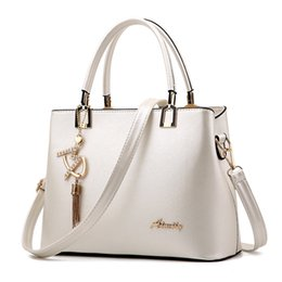 $enCountryForm.capitalKeyWord Australia - Bolso Mujer 2019 Fashion Hobos Women White Bag Ladies Brand Leather Handbags Spring Casual Tote Bag Big Shoulder Bags For Woman