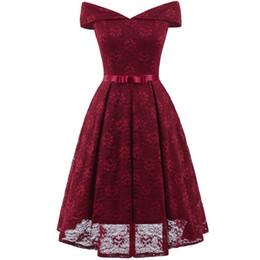Опт 2019 дешевые чай длина бордовые платья партии с плеча кружева короткие возвращения на родину коктейльное платье вечерние платья