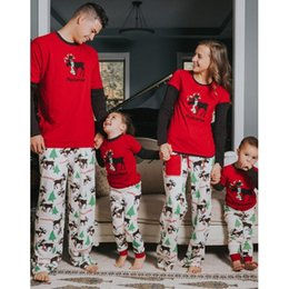 $enCountryForm.capitalKeyWord NZ - Zogaa 2018 Christmas Print Parent-child Suit Full Length Father Mother Child Family Clothing 2 Piece Tops And Pants Sets C19040201