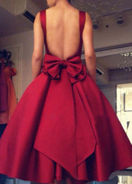 $enCountryForm.capitalKeyWord Australia - Simple 2019 Burgundy Short Ball Gown Prom Dresses With Square Neck Tea-Length Backless Prom Gowns With Bow Formal Dresses Evening Wear