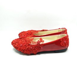 sexy flats UK - Woman Fashion Red Lace Bridal Shoes Ladies flat Handmade Wedding Shoes With Flower Sexy Women shoes