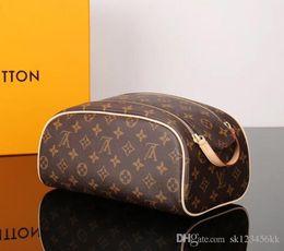 $enCountryForm.capitalKeyWord NZ - High-end fashion brand designer bags Hot sale Europe Monogram wash bag hand bag cosmetic bag double zipper free shipping 26*15*15cm